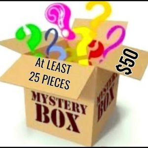 ACCESSORIES Mystery Box 25 items for $50